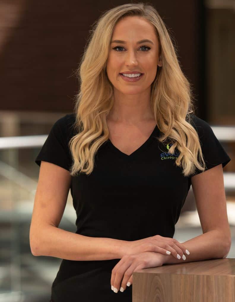 Dr Alyssa Holum - Chiropractor Schumburg IL